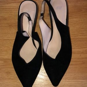 H&M pointed toe kitten heel , barley worn
